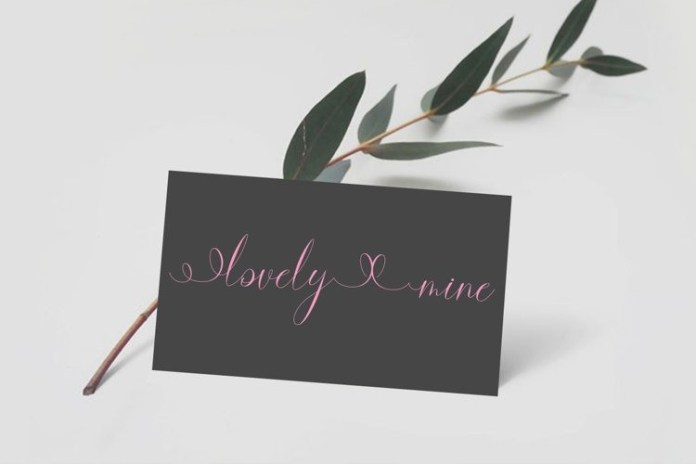 Marry Merry Calligraphy Font