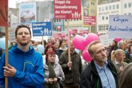 Bild 4 Demo für Alle in Stuttgart, am 5. April 2014 - 2.500 Bürger demonstrieren in Stuttgart für das Elternrecht