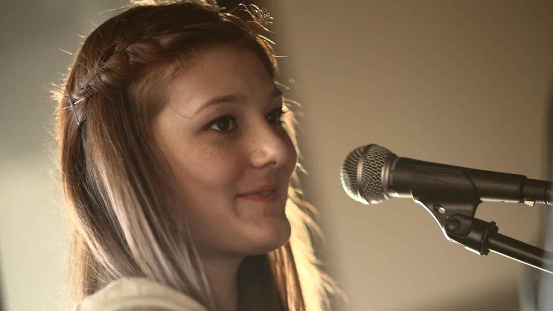 Demo My Song - Female Session Singer - Liz Halland