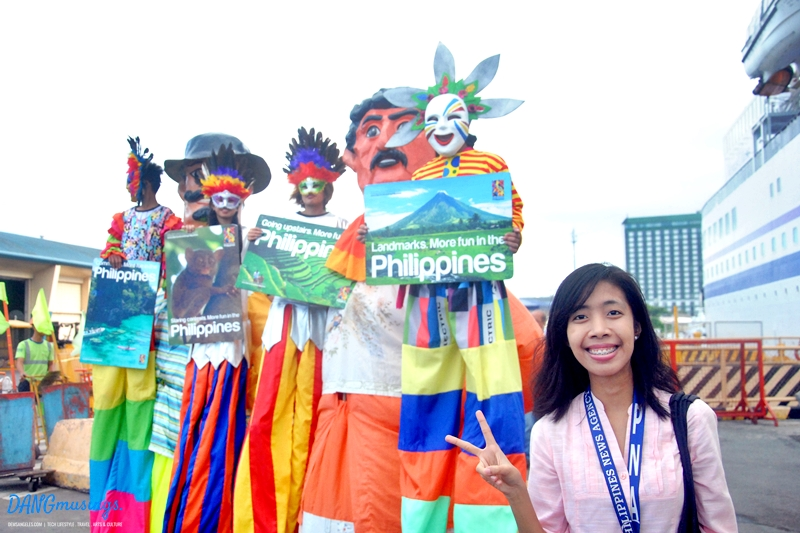 Azer from PNA with the Higantes of Angono :)