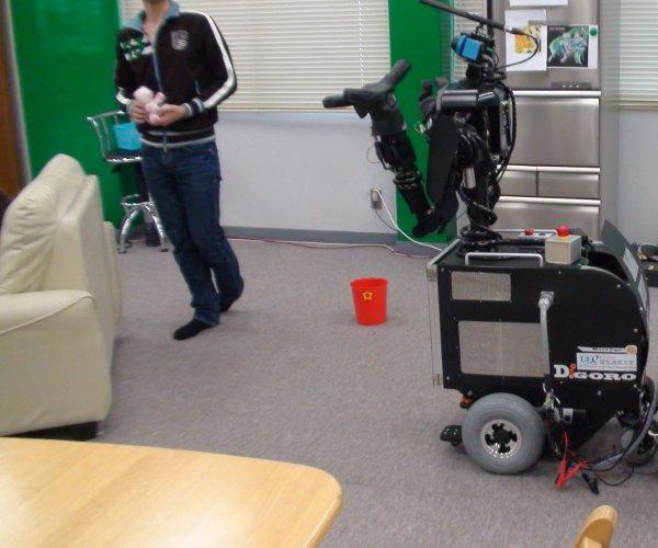eR@serチームのロボット:DiGORO
