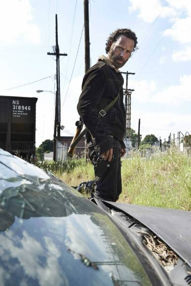 9-andrew-lincoln-the-walking-dead-s5