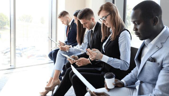 Come comportarsi in un colloquio di lavoro: vedere alcuni suggerimenti