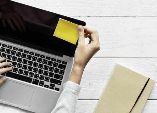 Dai un'occhiata a 4 suggerimenti per rimanere forte nella ricerca di un sostituto professionale