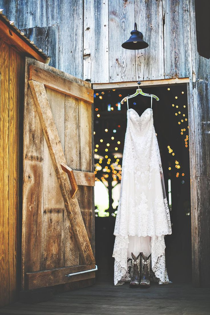 Barn Wedding Decor 25 Sweet And Romantic Rustic Barn Wedding Decoration Ideas