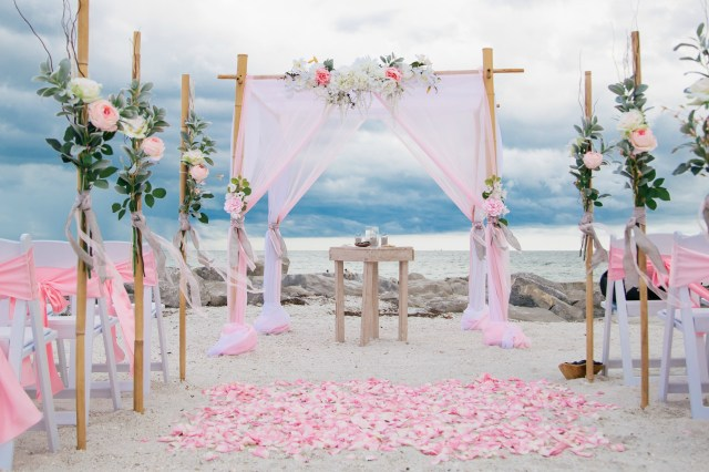 Beach Wedding Reception Decorations 3 Frugal Benefits Of Having A Beach Wedding This Summer Blogs Now