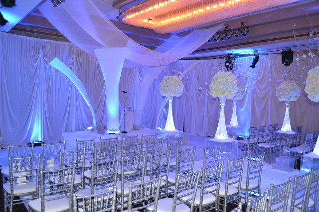 Blue And White Wedding Decor Ideas Navy Yellow And White Wedding Decor