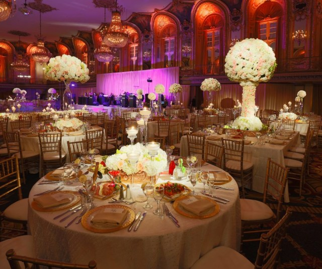 Candle Decorations For Wedding Ceremony Wedding At Hilton Chicago Wedding Flowers And Decorations