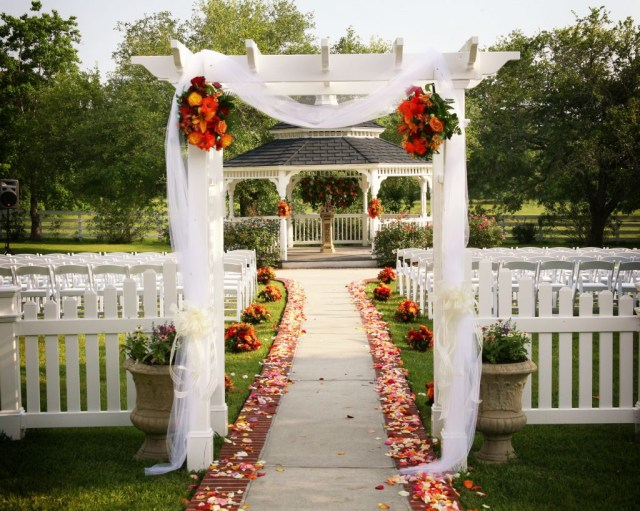Gazebo Wedding Decorations Outdoor Wedding Gazebo Decorating Ideas Nucno