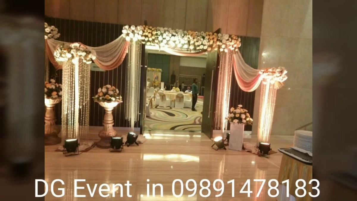 Indian Wedding Flower Decoration Pictures Wedding Decorations In Low Budget Indian Wedding Flower Decoration