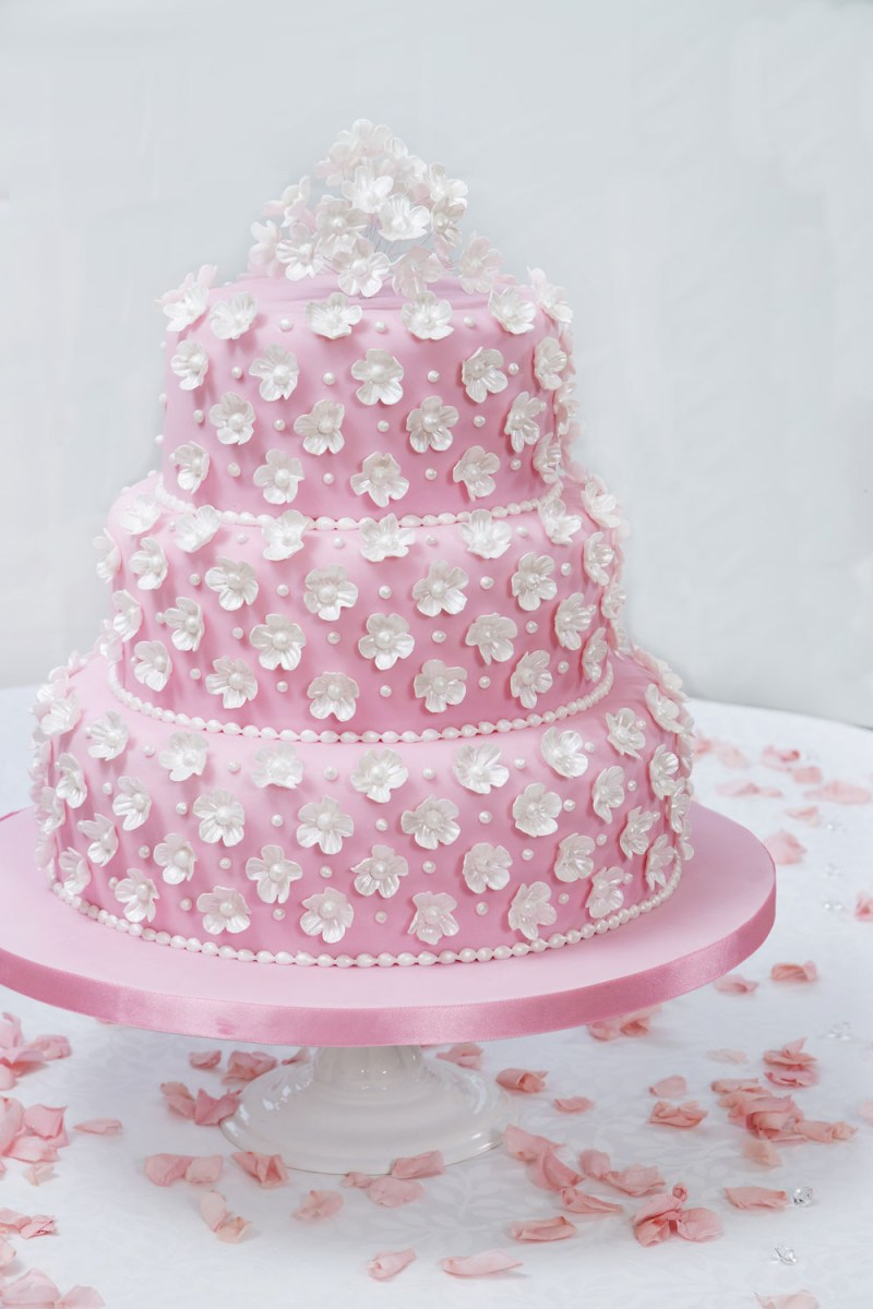 Wedding Cake Decoration How To Make And Decorate A Wedding Cake Step Step Guide