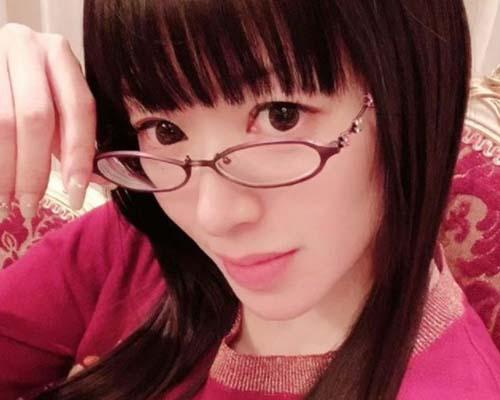 山寺宏一は離婚歴2回で理由や子供は?現在の嫁は31歳下の岡田ロビン翔子!