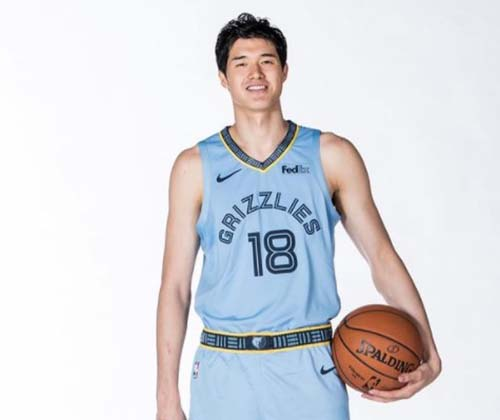 【顔画像】渡邊雄太の彼女はアジア系美女!バスケファンにモテモテで結婚は?