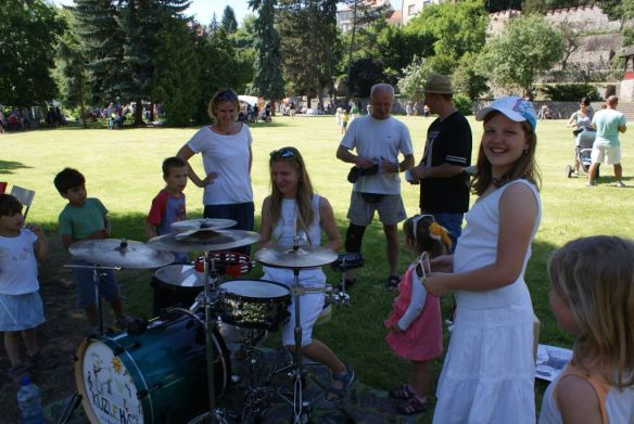 dětské bubny byly obsazeny stále