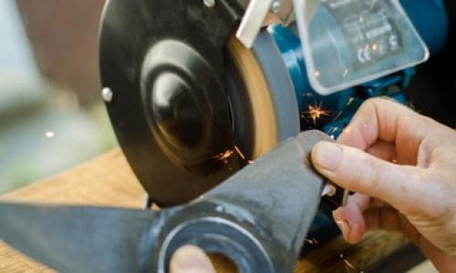Fűnyíró karbantartás 2 - Még nem késő az elmaradt őszi munkák bepótlásának