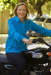 motorcu kadın triumph bonneville