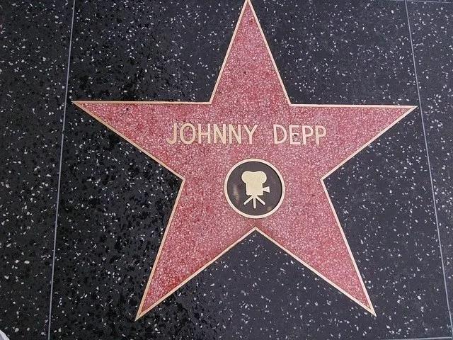 Johnny Depp Jeg ga 13 år gamle datter Lily-Rose cannabis fordi det var pålitelig og god kvalitet