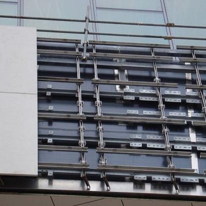 Akmens fasado tvirtinimo sistema HALFEN SUK, UKB Denia Solutions 3
