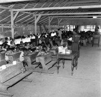Oranjeschool (Lagere School) in Paramaribo, 1947. Nationaal Archief cc-by-sa