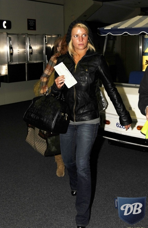 Celebs In Denim Jessica Simpson In True Religion The Best Jeans Accessories And Premium Denim