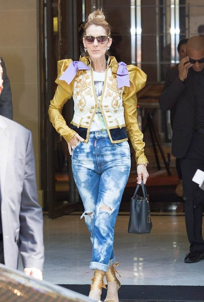 Celine Dion in Bleached Ripped Dsquared2 Jeans - Denimology