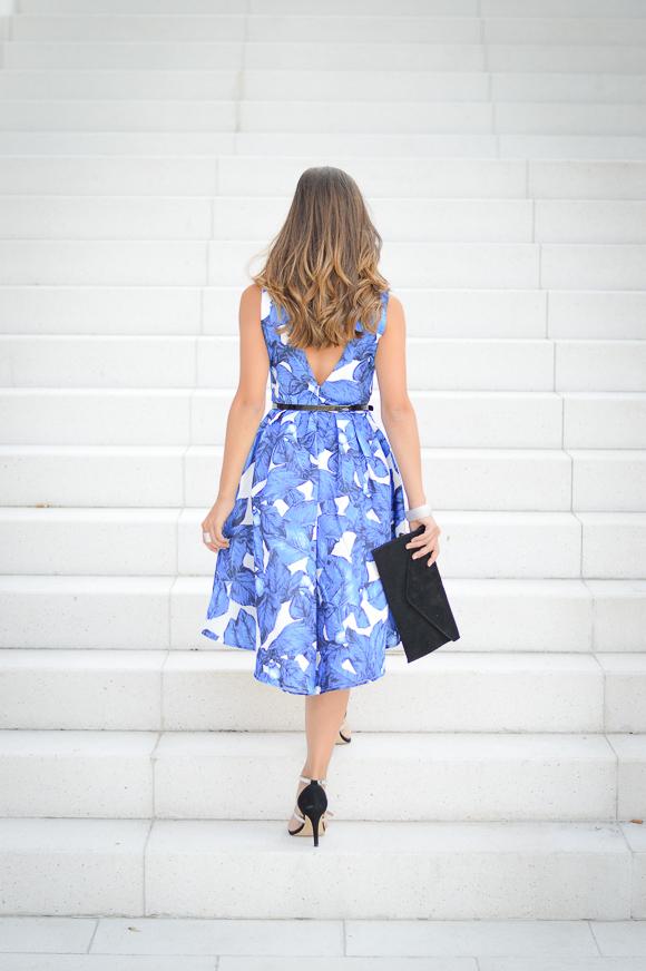 Bulgarian Fashion blogger Denina Martin wearing blue florals