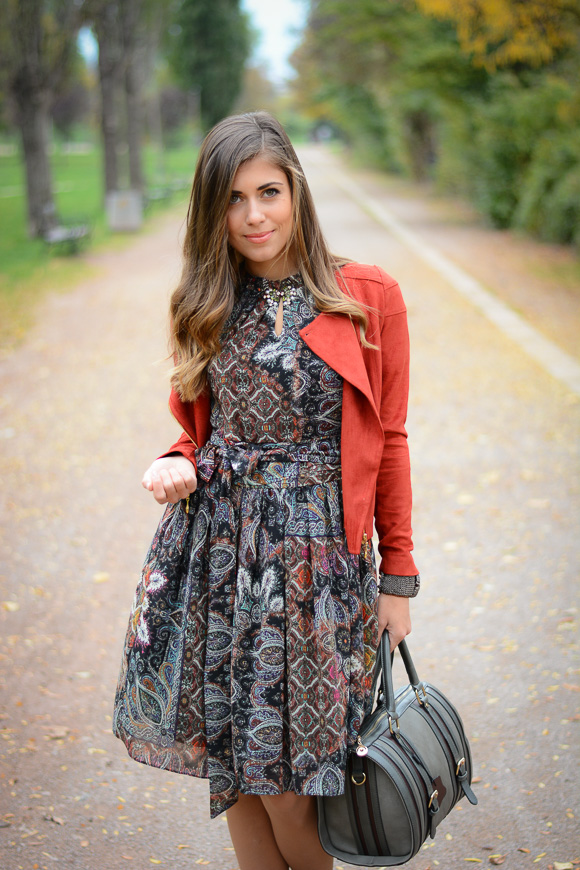 Catty-seventies-trend-dress-Bulgaria-Mall-Denina-Martin-1