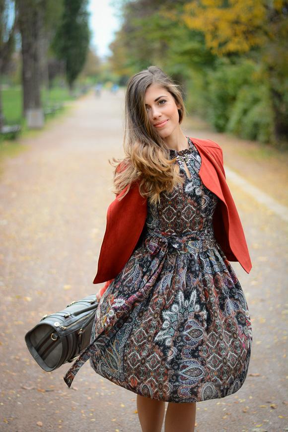 Catty-seventies-trend-dress-Bulgaria-Mall-Denina-Martin-2
