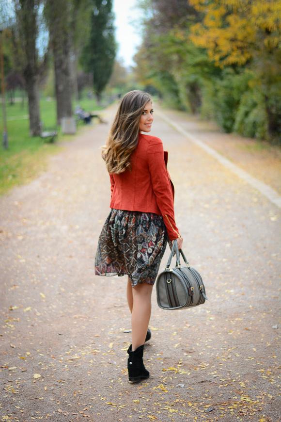 Catty-seventies-trend-dress-Bulgaria-Mall-Denina-Martin-3