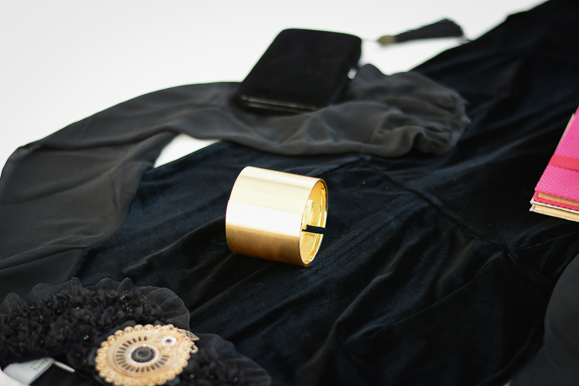 Three-Current-Obsessions-fur-velvet-statement-jewelry-bulgaria-mall-Denina-Martin-8