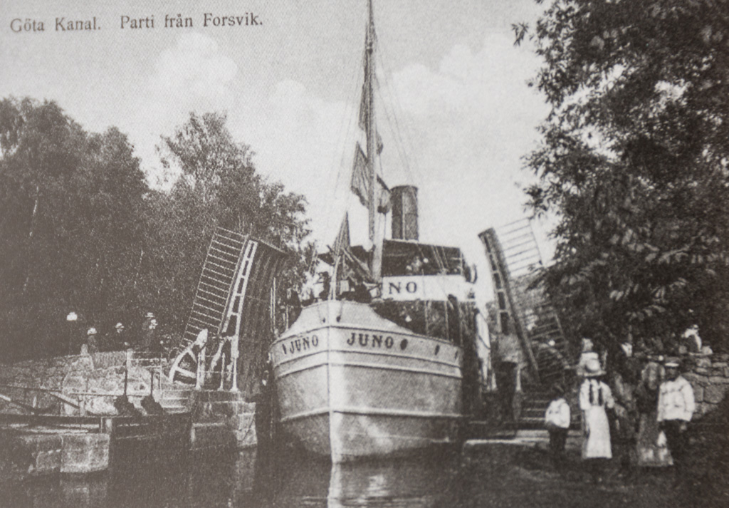 The Juno was already sailing on the Göta canal early last century.
