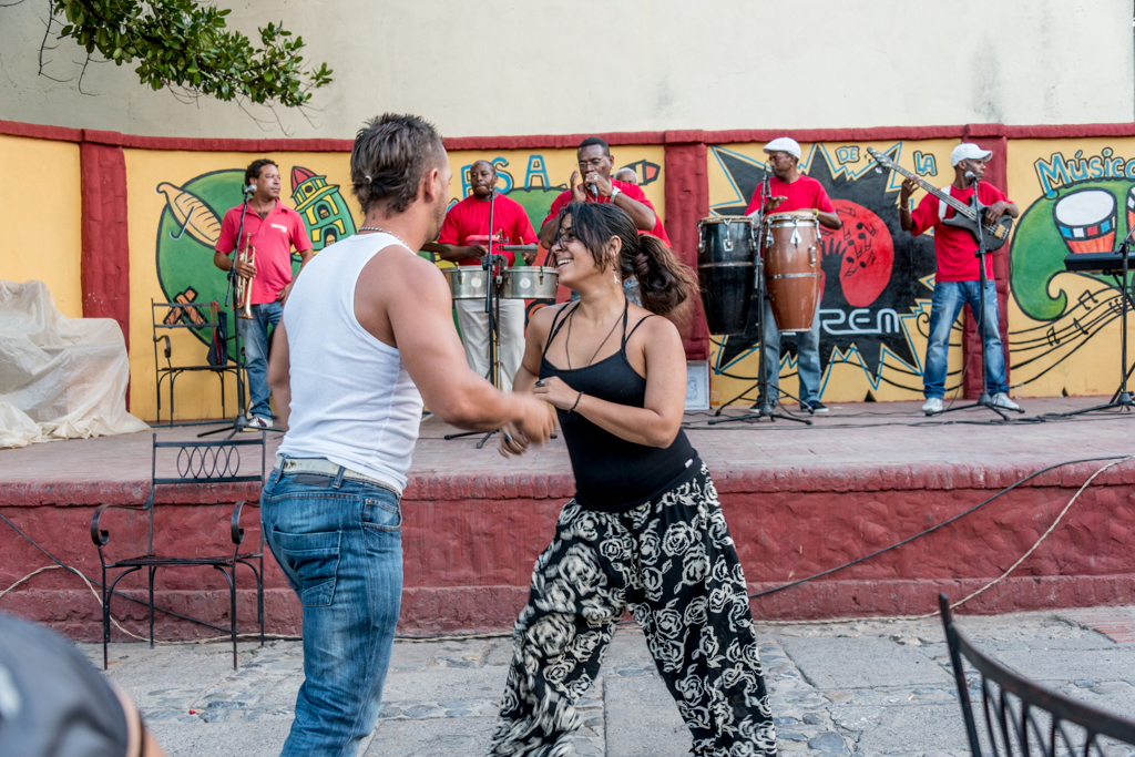 Locals showing off their salsa skills.