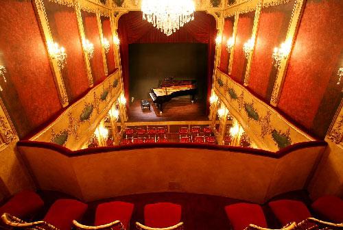 Denis Pascal au théâtre Saint-Bonnet