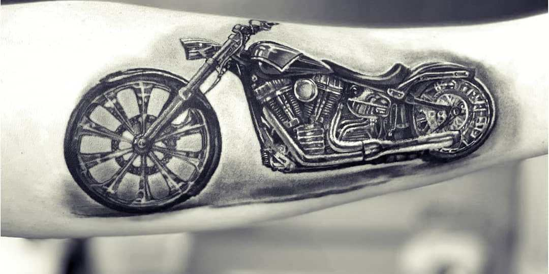 tatuaggio moto Harley Davidson