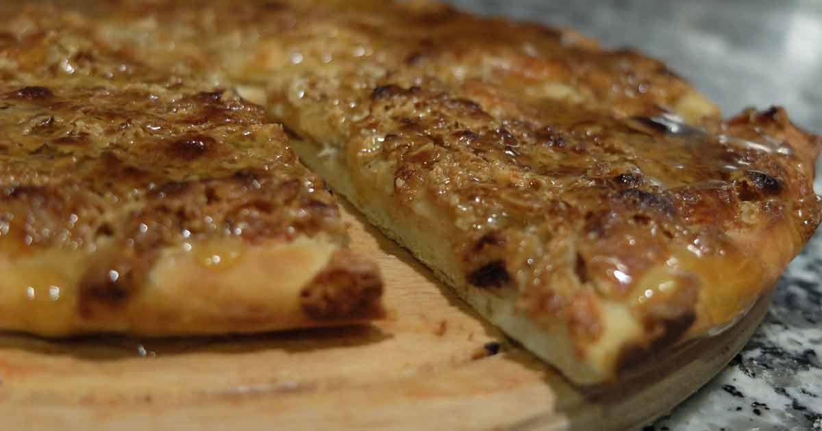 Denizlinin Ballı Tahinli Cevizli Pidesi Pizza Oldu Denizli Gurme