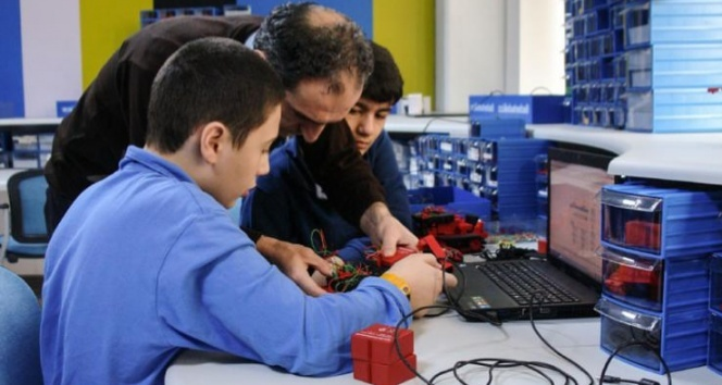 Yapay zeka sınıf içi eğitimlerde zamandan tasarruf sağlayacak