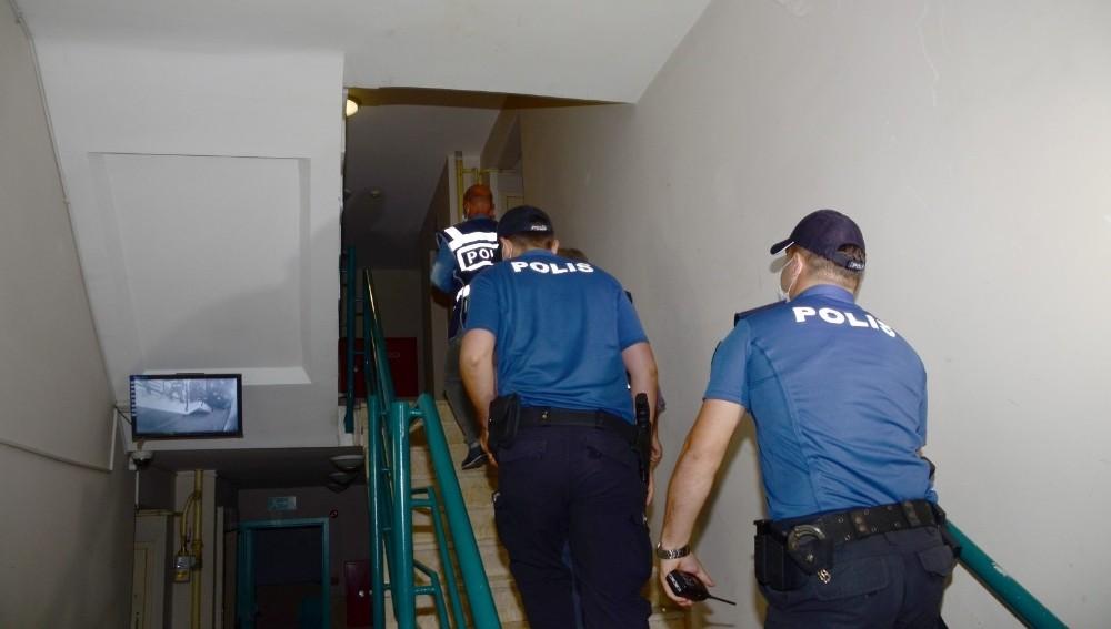 Dolandırıcılar özel ekip sayesinde yakalandı