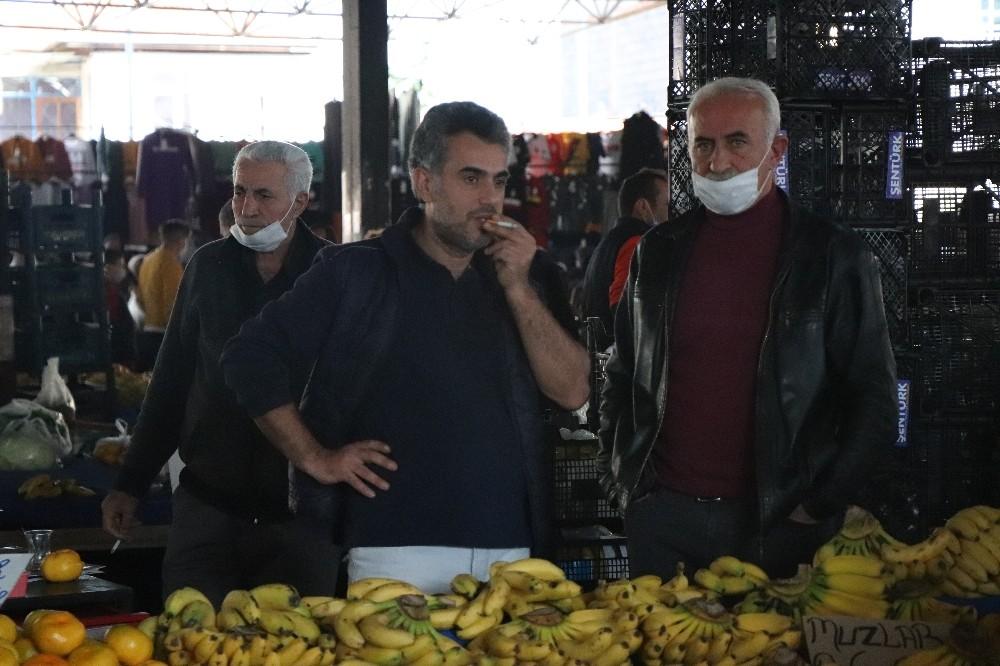 Denizli'de yasaklara rağmen semt pazarlarında ürküten görüntü