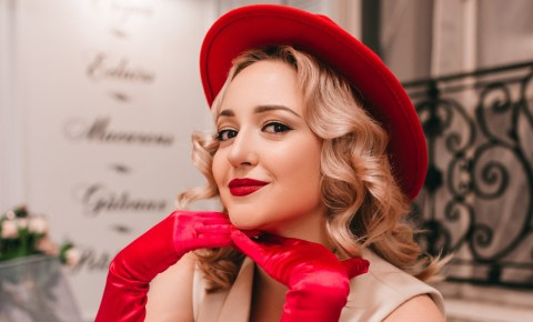 Freitag, 21.06.2019 – Katia Shostak, Gesang & Vintage Blends, Retro-Musik vom Feinsten