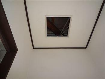 玄関天井点検口300角