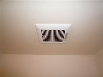 浴室換気扇ルーバー取付け