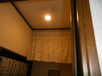トイレ照明点灯確認