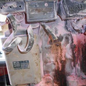 動力配電盤の古いコンデンサが火災の原因