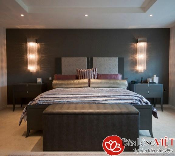 Mẫu đèn ốp tường phòng ngủ chung cư cao cấp