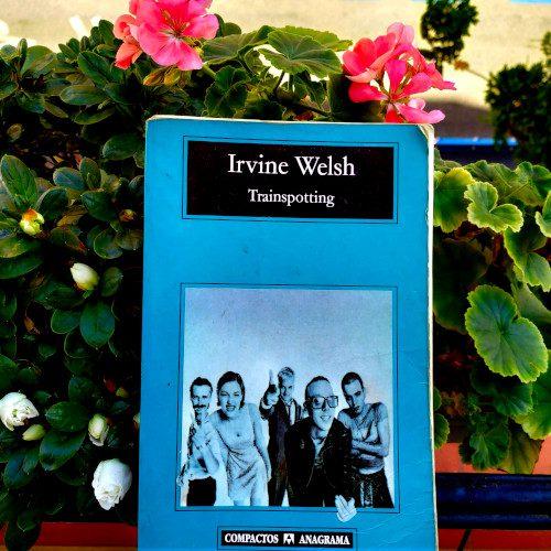 """Portada de Trainspotting (Irvine Welsh). Edición de la colección """"Compactos Anagrama"""" (vol. 212 de dicha colección)"""