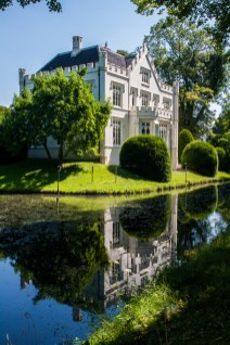 house-and-its-reflection