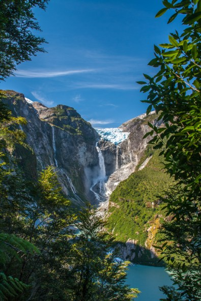 ventisquero-colgante-glacial-waterfall-in-a-rainforest