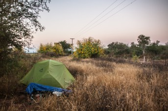 wild-camp-by-road-salta-valley