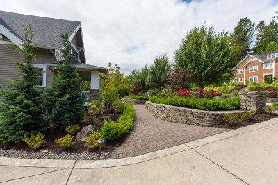 residential landscaping entryway