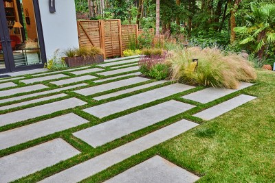 residential landscaping slab pavers with lawn